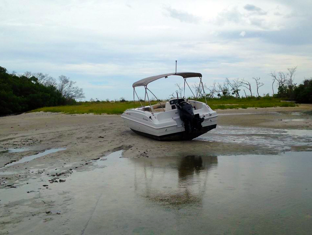 beached_boat_1024x768.png
